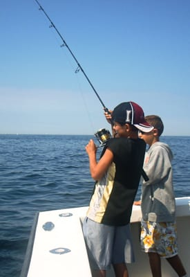 what to expect on a charter fishing boat